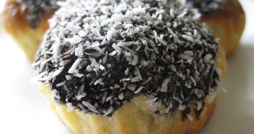 Töltött muffin kókuszban forgatva
