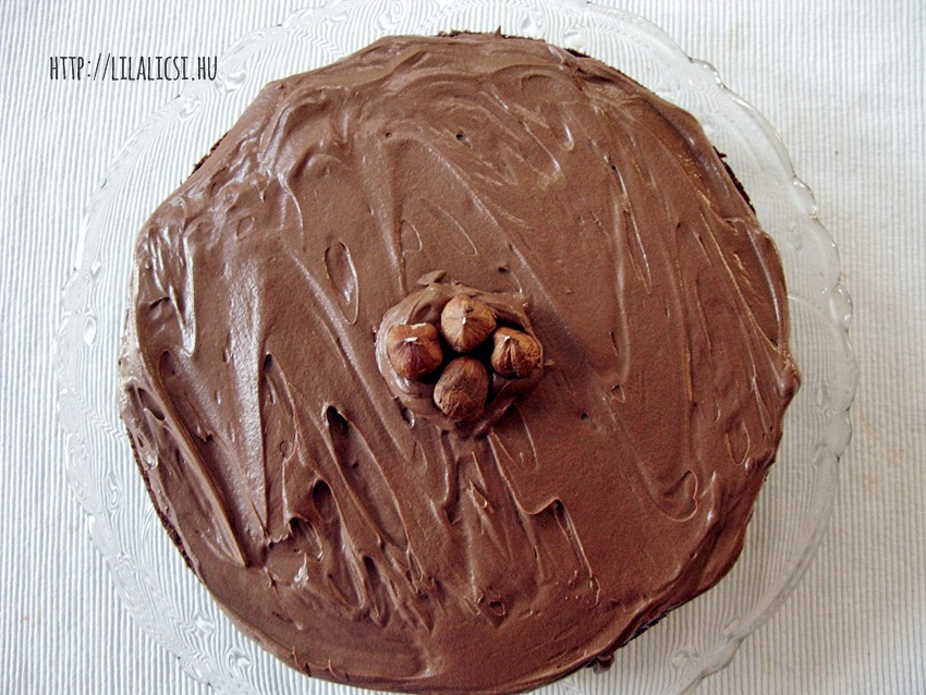Csokoládétorta mogyoróval