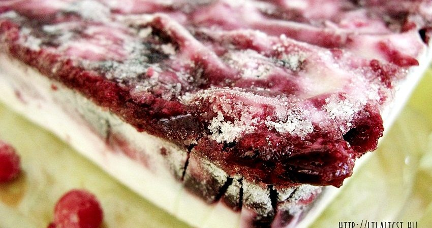 Gyümölcsszirupos joghurt tál