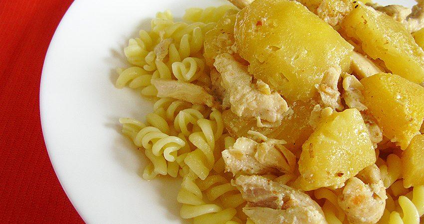 Csirkecsíkok ananásszal